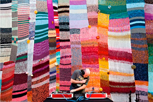 Street-knitting-12