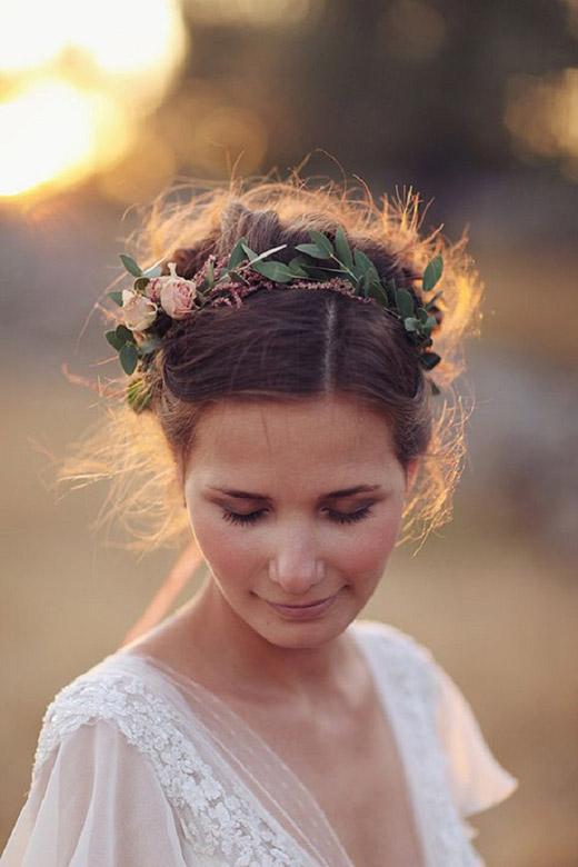 Novias,con,corona,flores,10