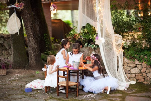Ideas-para-entretener-niños-en-una-boda-04