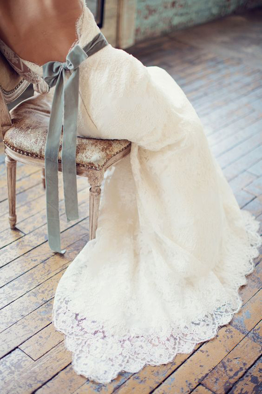 Terciopelo-para-bodas-tendencias-2017-This-Is-Kool-03