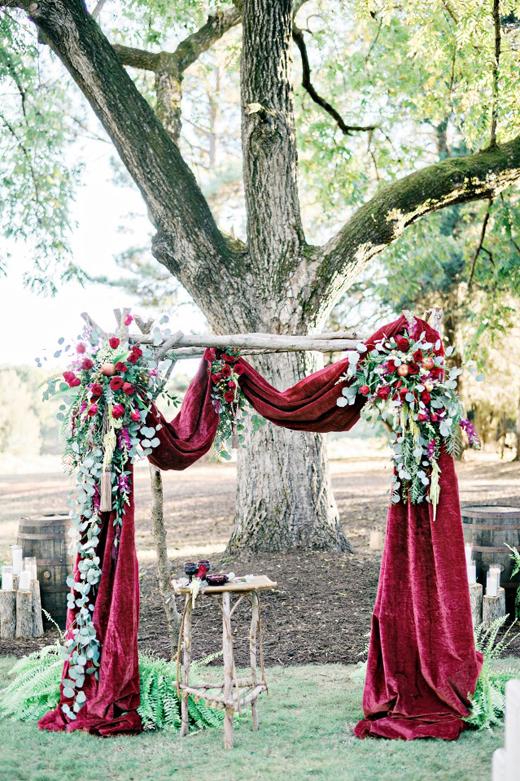 Terciopelo-para-bodas-tendencias-2017-This-Is-Kool-26